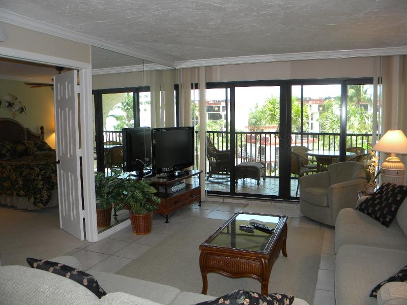 Pointe Santo #A32 Beautiful Complex. Steps to Pool & Beach - Image 1 - Sanibel Island - rentals