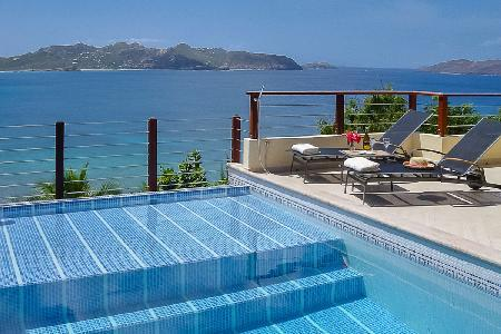 Contemporary Villa C'est la Vue offers magical sunset views and a fitness room - Image 1 - Pointe Milou - rentals