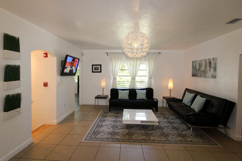 Casa Gaby - 4 Bedroom* - Image 1 - Miami Beach - rentals