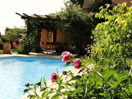 Aix en Provence 4 Bedroom House with Fireplace and Pool - Image 1 - Vauvenargues - rentals