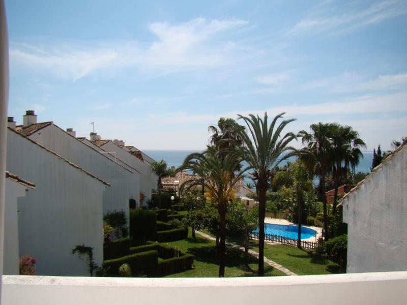 Casa del Loro Bailador - great sea views! - Image 1 - Estepona - rentals
