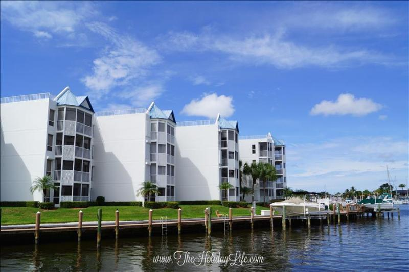 GRAND BAY - Light and Beachy Waterfront Condo - Image 1 - Marco Island - rentals