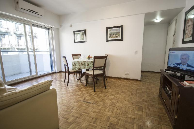 Living Comedor luminoso c/ aire frio-calor. - 505 ft², Central, Views fr Balcony, Bright, Garage - Buenos Aires - rentals