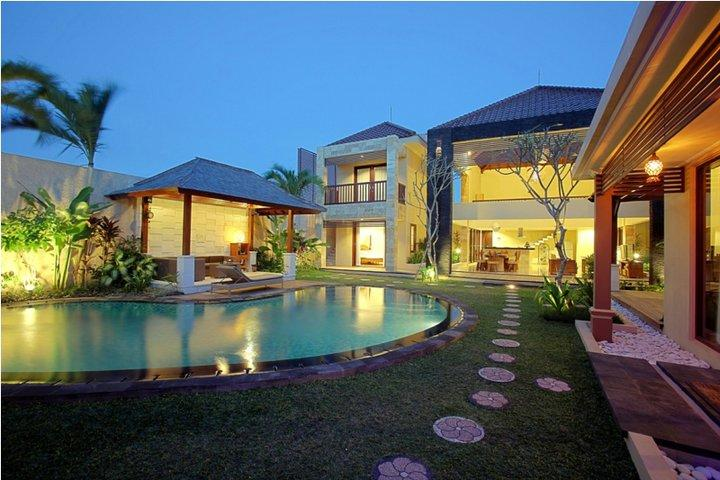 Villa and Pool view - Naga 5  Bedrooms Villa,Kuta 5 minutes to the beach - Seminyak - rentals
