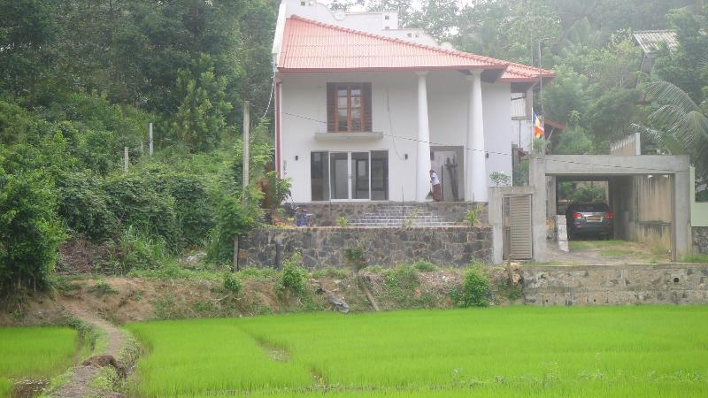 House in rural setting but not too far from Galle Town, easy access from Highway - House for rent - Galle - rentals