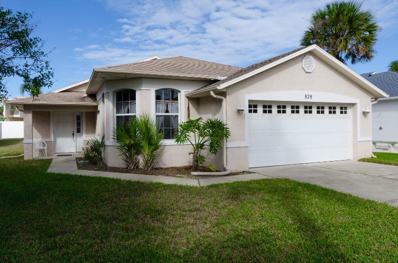 Tropical Paradise - Sand Dollar Pool House - Image 1 - New Smyrna Beach - rentals