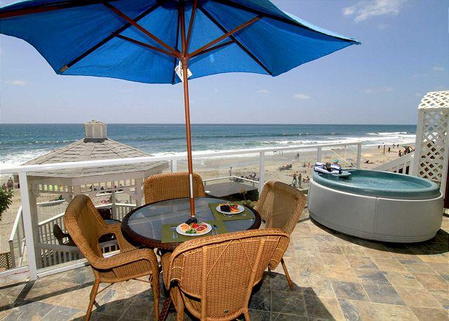 Oceanfront patio with private spa - 2br, 2ba Beach Front Vacation Rental in Carlsbad & A/C Equipped - Carlsbad - rentals