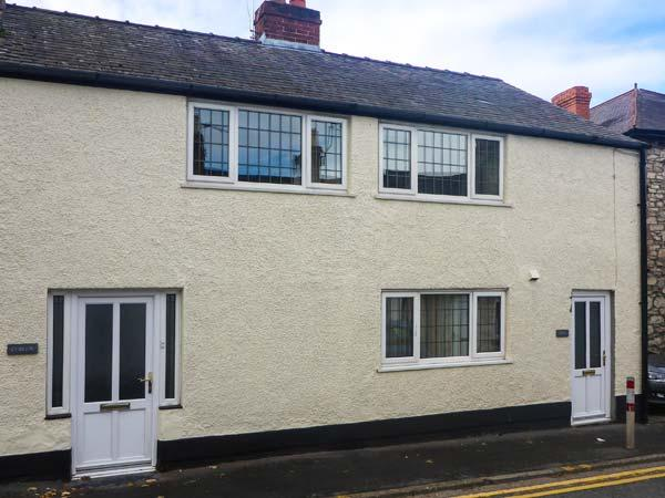 CURLEW, child-friendly, WiFi, pet-friendly cottage with enclosed garden, in - Image 1 - Ruthin - rentals