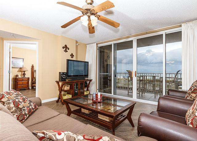 Enjoy this amazing view of the beach right from your condo! - IP 213: Beachfront 2bedroom NOW AVAILABLE FOR MONTHLY WINTER RENTAL!2015/16 - Fort Walton Beach - rentals