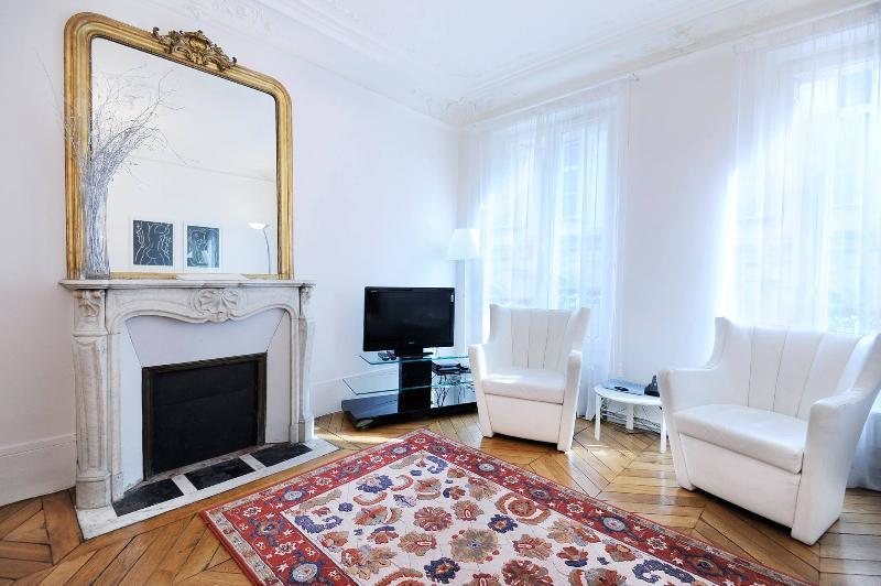 Best Classic Rental in Paris - Image 1 - Paris - rentals