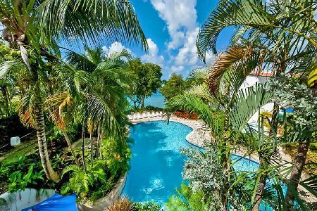 Gingerbread at Merlin Bay villa with pool & steps to the beach - Image 1 - The Garden - rentals