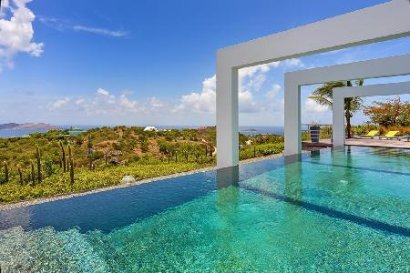 One-level Agave, bask in sunset views, pool, fitness room & daily housekeeping - Image 1 - Vitet - rentals