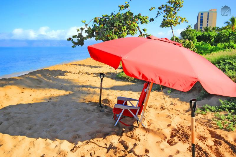 Grab a beach chair and umbrella for a day at the beach. InvitedHome provides beach chairs and umbrellas in each condo for guest use. - Best Maui Resort! Luxury Beachfront Condo with All the Extras - Laulea Reach at 722 Hokulani - Ka'anapali - rentals