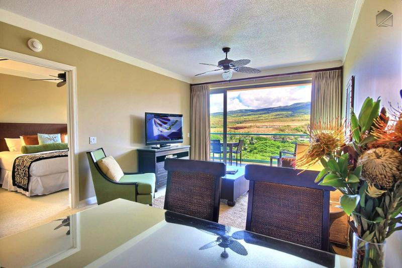 Enjoy a show (or better yet, the view) from your counter while you prepare dinner - Special Low Rates - Amazing One Bedroom with Mountain Views. - Rainbow Peak at 728 Hokulani - Ka'anapali - rentals