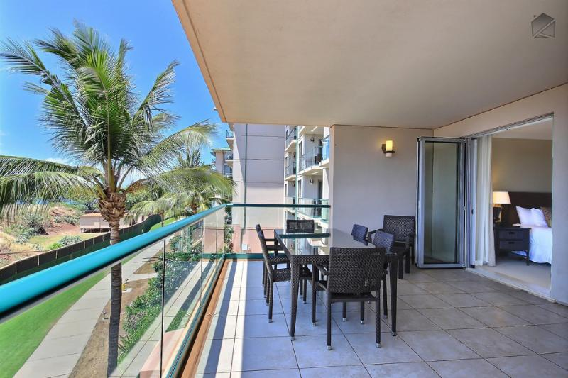 Enjoy your breakfast, or a cup of coffee, on your spacious private lanai. - XL Corner Condo with Construction Views, Great Value! - Mauka Makai at 320 Hokulani - Mauka Makai at 320 Hokulani - Ka'anapali - rentals
