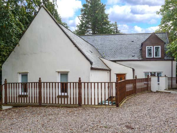 MILTON COTTAGE, en-suite facilities, WiFi, attractive cottage, in Archiestown, Ref. 9747 - Image 1 - Archiestown - rentals