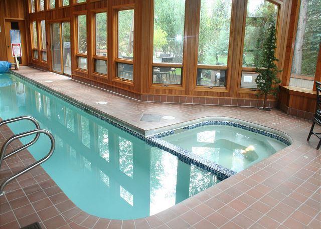 7 Shamrock - Impressive Sunriver Home with Private Pool and Bonus Room Near Fort Rock Park - Sunriver - rentals