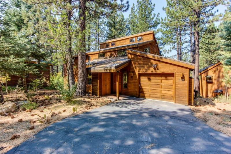 On the Golf Course and only 5 minutes to Northstar Skiing! - Image 1 - Truckee - rentals