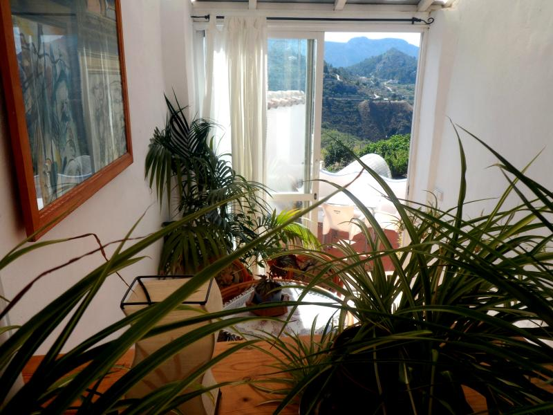 Sunny breakfast room with great views of the mountains. - Beautiful village house with panoramic views of th - Tarbena - rentals