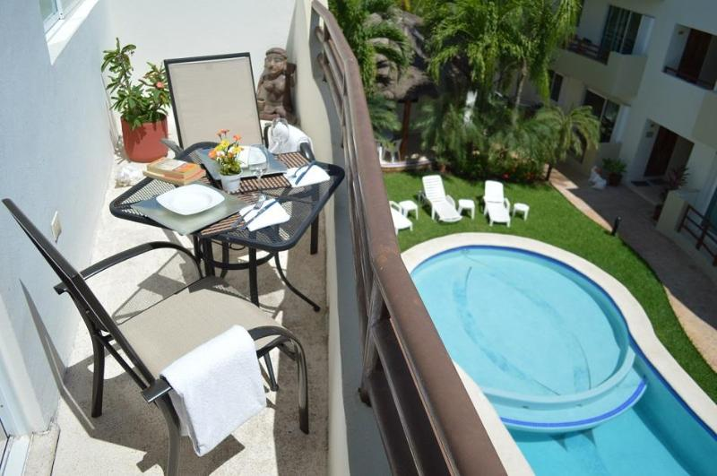 NICE PH 2 BDRM, BOOK 6 NIGHTS GET THE 7th FREE! - Image 1 - Playa del Carmen - rentals
