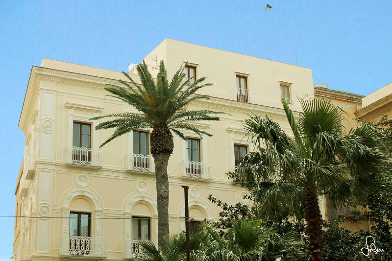 101 Apartment in the center with sea view - Image 1 - Trapani - rentals