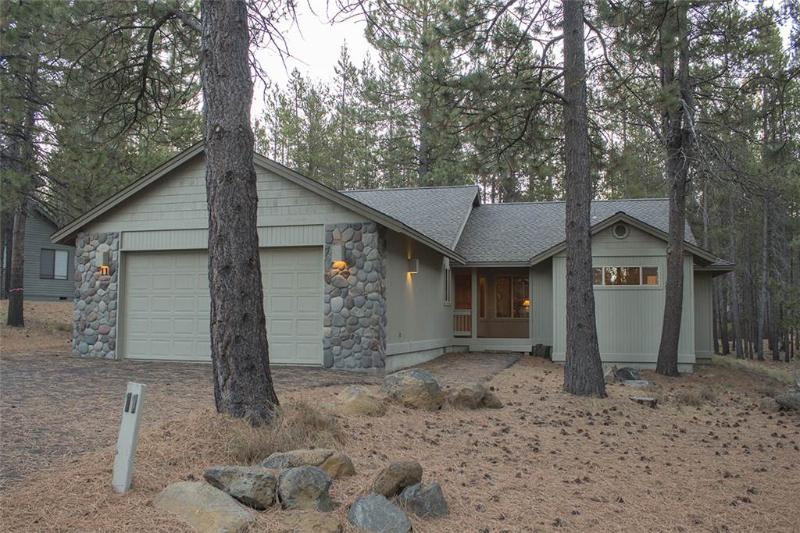 11 Lost Lane - Image 1 - Sunriver - rentals