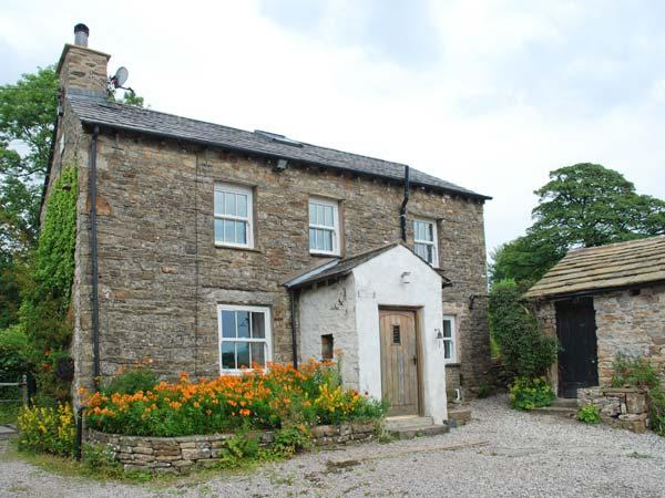SPOUT COTTAGE, secluded, garden, woodburner, near Sedbergh, Ref 914676 - Image 1 - Sedbergh - rentals