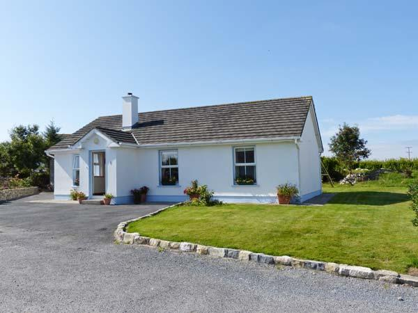 TEACH TEOLAI, all ground floor, stove, pet-friendly, garden, near Carraroe, Ref 916772 - Image 1 - Carraroe - rentals
