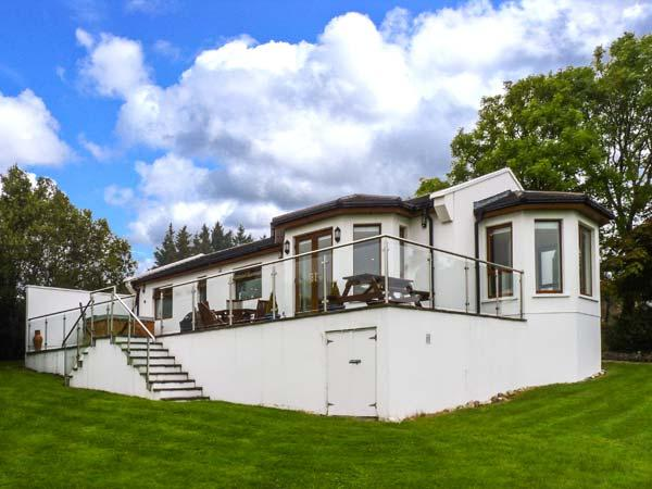 NO. 1 ARD CARRAIG, hot tub, pet-friendly ground floor cottage, in Portsalon, Ref. 917354 - Image 1 - Portsalon - rentals