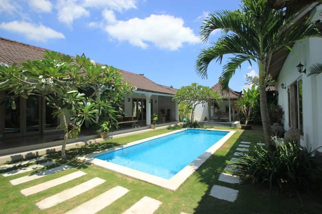 The view of the pool right next to the front door - Villa Crystal - Seminyak - rentals