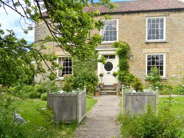 MANOR FARM, Georgian house, open fires, Aga, spacious period property in Hutton - Image 1 - Wykeham - rentals