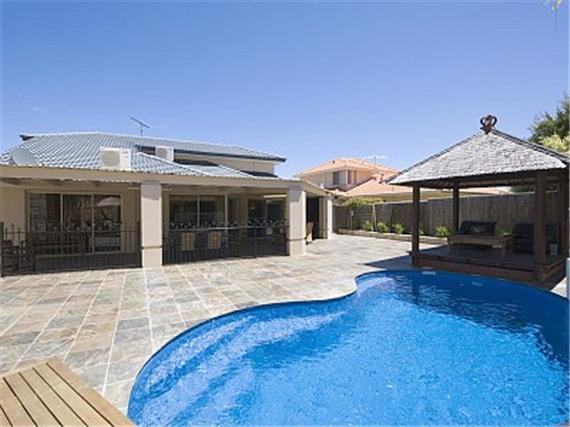 Solar heated pool - The Oasis Solar Heated Pool Internet 2 x platinum foxtel A/con - Joondalup - rentals