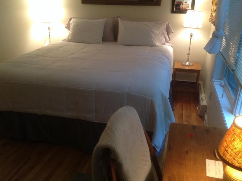 New King Bed - Hampton Accommodations 3 / FREE BIKE RENTALS - East Hampton - rentals