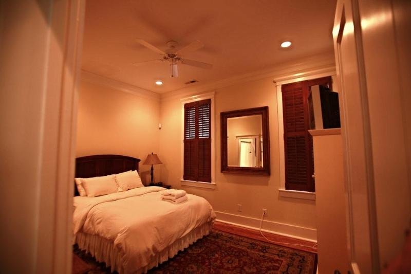 Newly Renovated Executive Downtown 2 Bedroom - Image 1 - Charleston - rentals