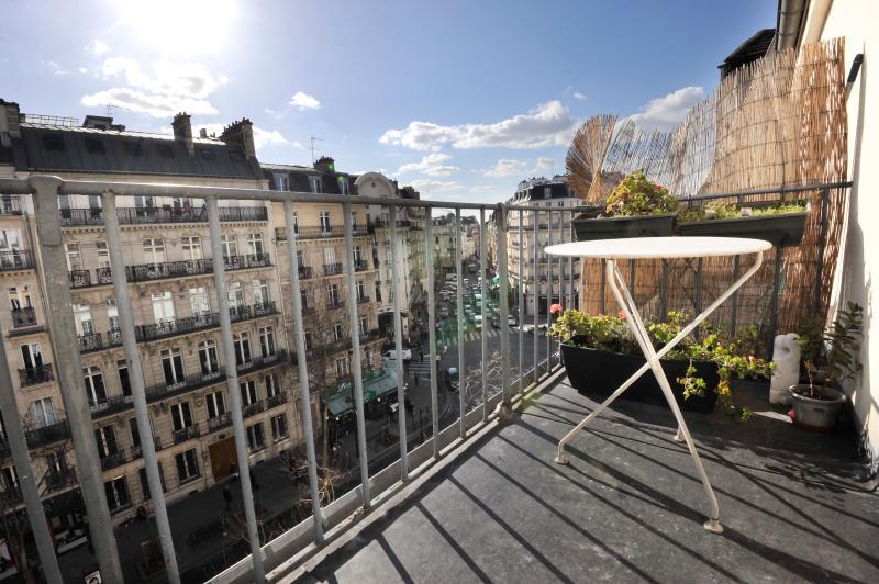 Classic PAULINE BALCONY PARIS ( 6 arr ) - Image 1 - Paris - rentals