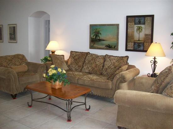 4 Bedroom 3 Bathroom Pool Home in Indian Creek. 8002ACR - Image 1 - Orlando - rentals