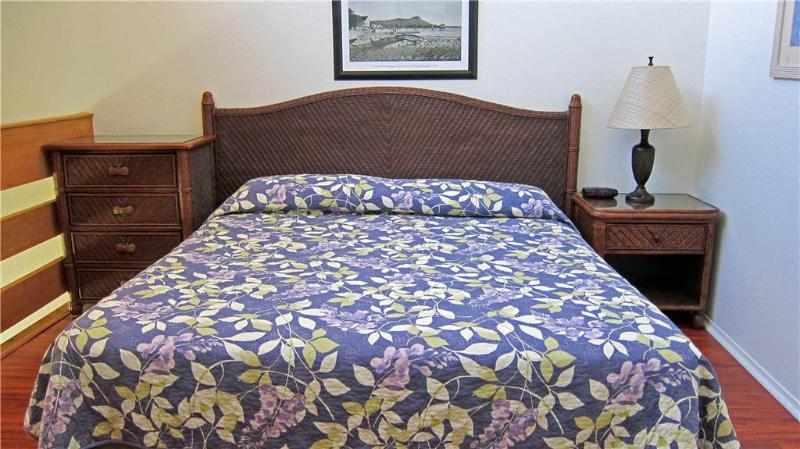 Kapaa Shore Resort #308-OCEANFRONT, Washer/Dryer! - Image 1 - Kapaa - rentals