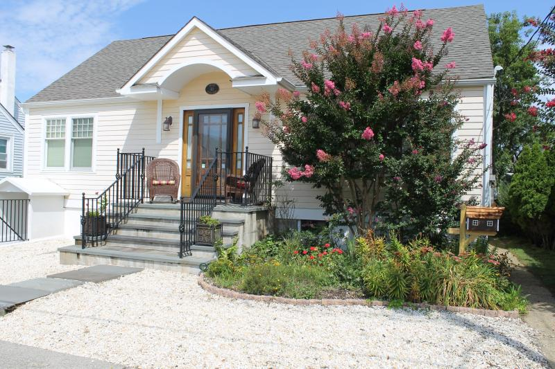 Walk to Beach, Bay & Bdwalk-3 bedrm Private Home - Image 1 - Seaside Park - rentals