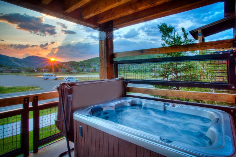 Relax in the hot tub after a day on the mountain - Deer Valley Luxury 2BR Condo - Silver Baron Lodge - Park City - rentals
