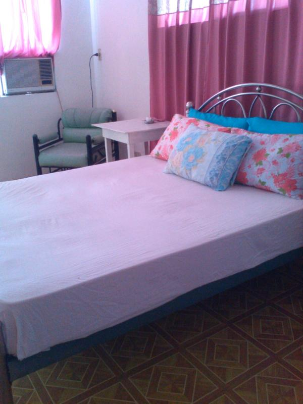 "Bedroom - Aldanmar Apartments ""Red"" on the beach - Puerto Galera - rentals"