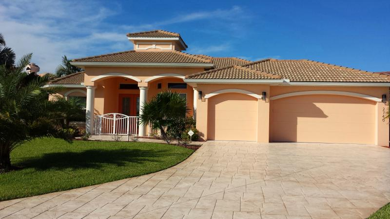 Cape Coral Summer Breeze Vacation Villa - Image 1 - Cape Coral - rentals