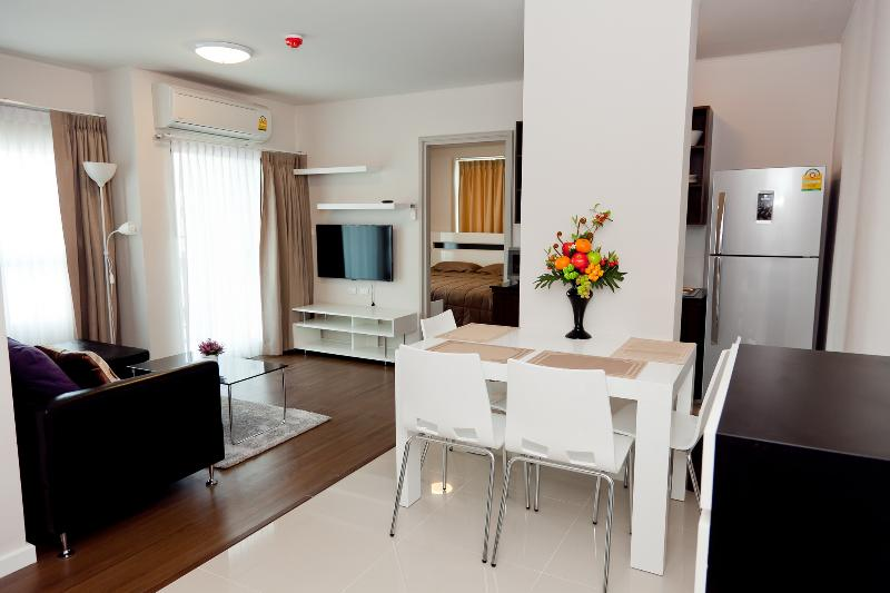 Stay in Phuket city center, dCondo Creek RFH000542 - Image 1 - Kathu - rentals