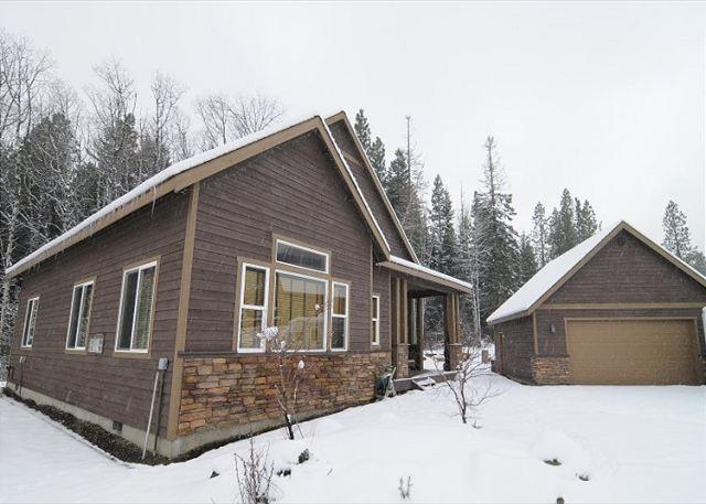 Highly Appointed 3BD Cabin |Hot Tub, Game Rm |Slps10, Winter Discounts - Image 1 - Cle Elum - rentals