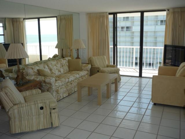 Living Room - South Seas 2-811 - Marco Island - rentals