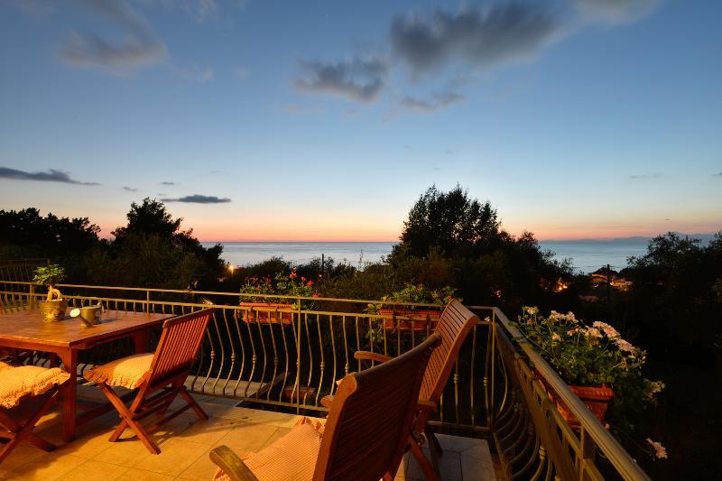 Villa Elaia, holiday apartment in Castellabate - Image 1 - Santa Maria di Castellabate - rentals