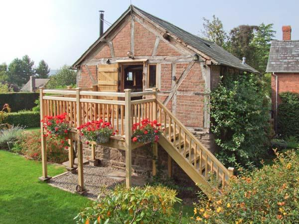THE CIDER MILL, barn conversion, en-suite facility, woodburning stove, WiFi, in Westhope, Ref 11799 - Image 1 - Wellington - rentals