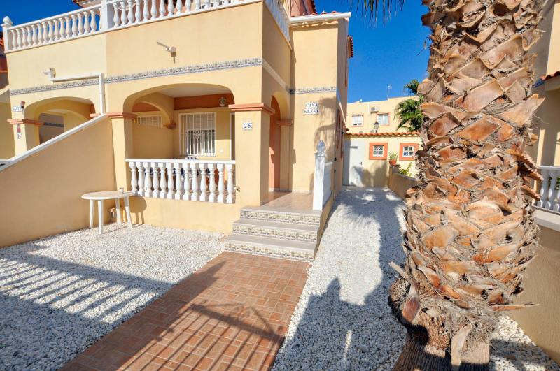Front of the property - Casa Kenny (Mick's Place) - La Zenia - rentals