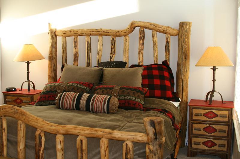 Mountain luxury furnishings - Burton Lodging at Snowbasin--Private Hot Tub! - Huntsville - rentals