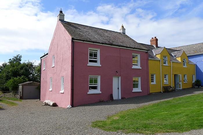 Pet Friendly Holiday Cottage - Orlandon Farm Cottage, Nr St Brides Beach - Image 1 - Pembrokeshire - rentals