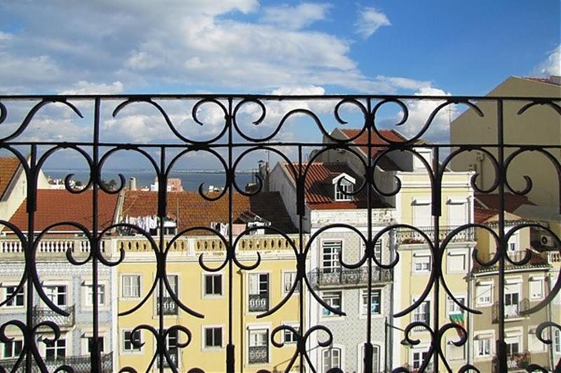 Graça Deluxe top floor 1bedroom&balcony - Image 1 - Lisbon - rentals